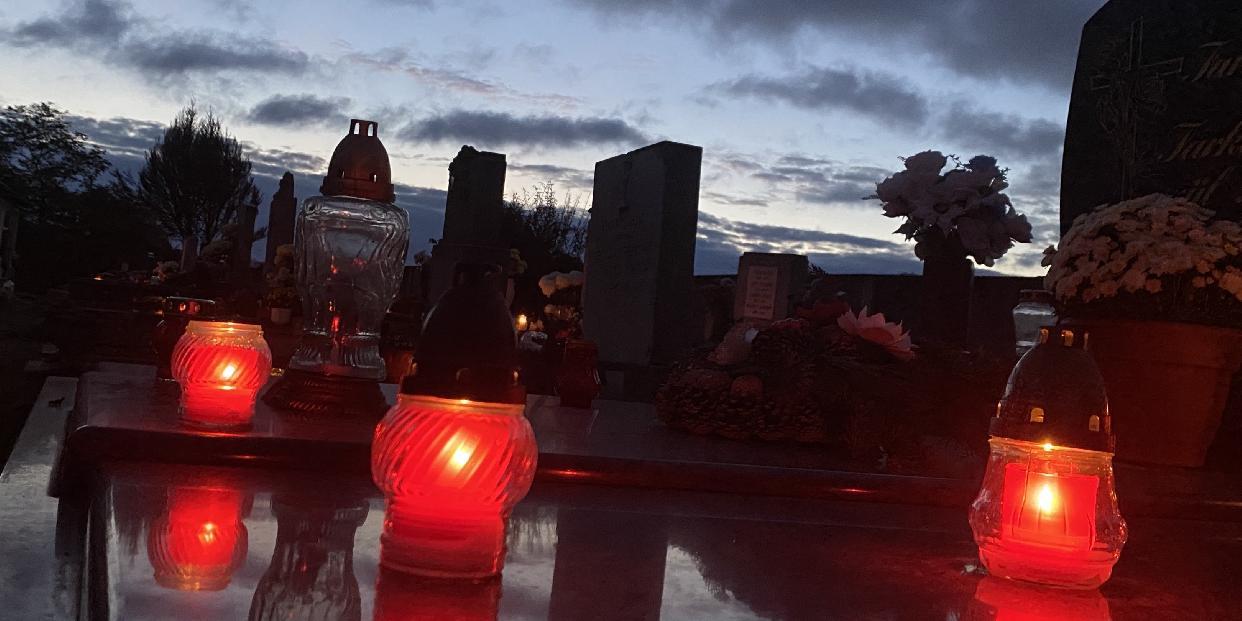 Rendkívüli temető-nyitva tartással készül a T-Szol Zrt. a Mindenszentekre-Halottak Napjára