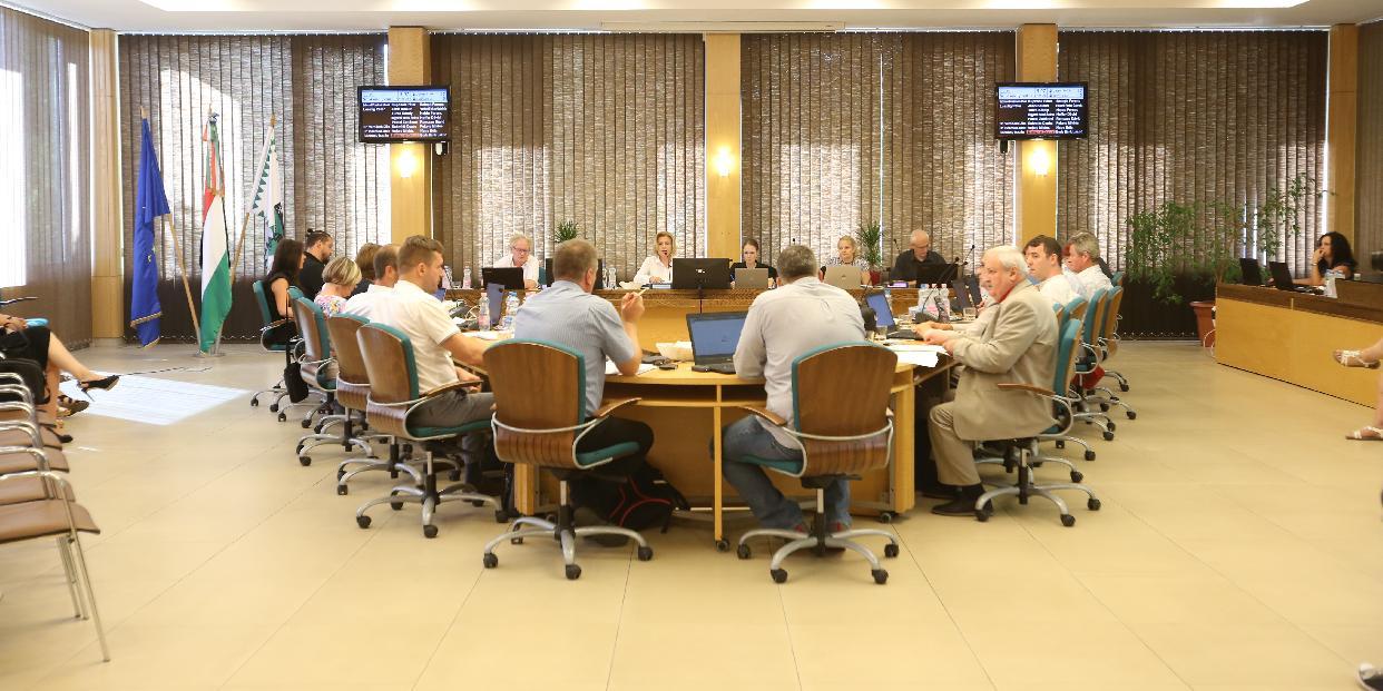 Idei első, munkaterv szerinti ülését tartja a közgyűlés